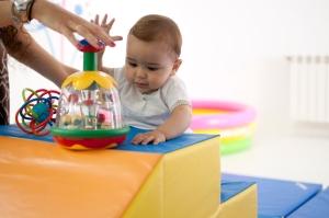 Clase de Estimulación e inglés para bebés con sus madres/padres en Great for Kids. Actividades que fomentan el desarrollo del bebé.